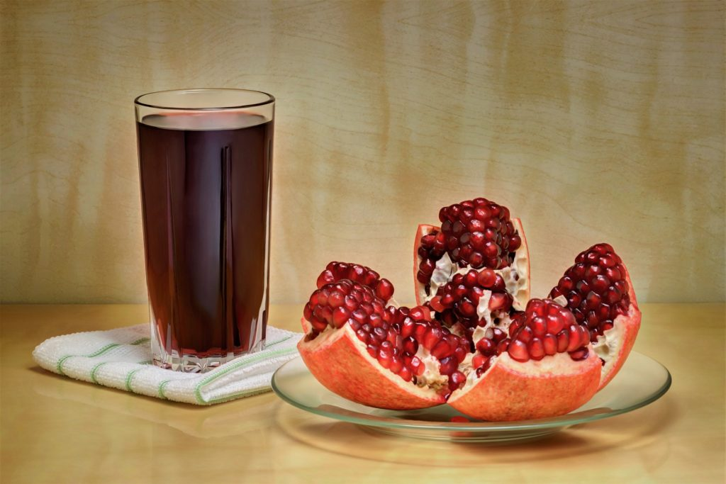 7 Anti Aging Foods -pomegranate